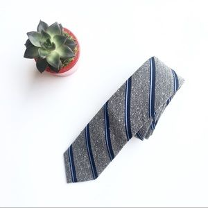 The Tie Bar gray and blue striped skinny tie